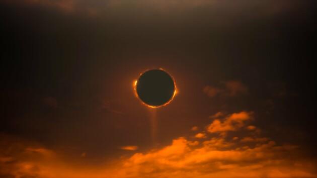 Огненное кольцо: как мир встретил редкое солнечное затмение