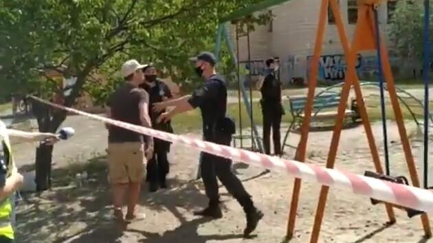 Взрыв в Киеве: в Сети появилось видео перепалки жильцов аварийного дома с копами