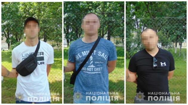 В Киеве задержали мужчин, избивших водителя трамвая из-за замечания о масках (видео)