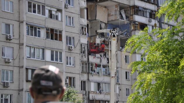 Взрыв на Позняках: Кличко пообещал сделать пострадавшим новые документы и ремонт