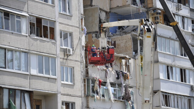 В полиции озвучили основную версию взрыва дома на Позняках в Киеве