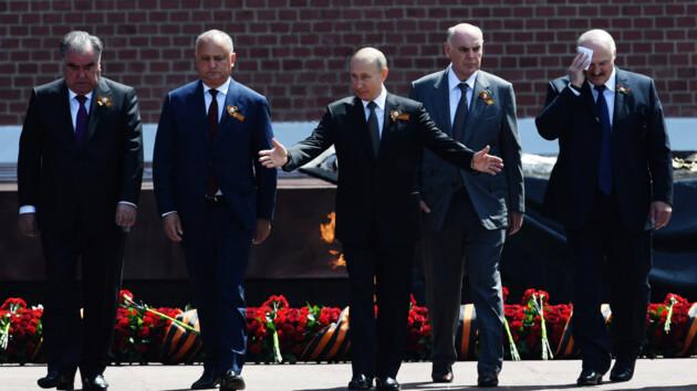 В Москве Лукашенко публично проигнорировал Путина: видео