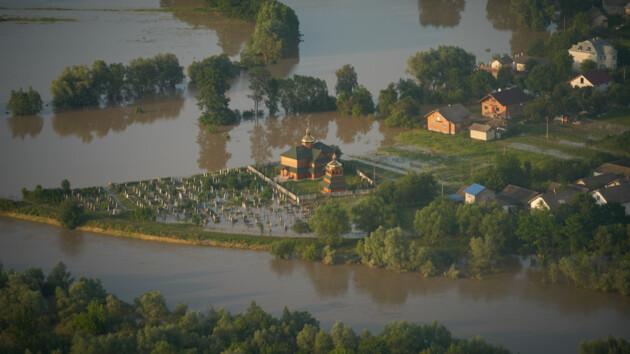 Потоп на западе Украины: назвали самые проблемные районы