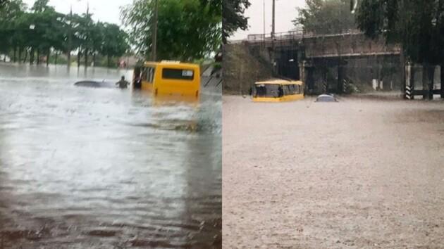 """Маршрутки """"плывут"""" по затопленным улицам: Мариуполь накрыла стихия (фото, видео)"""