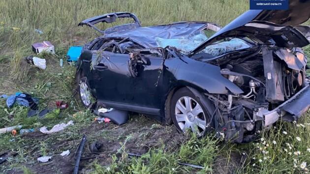На Одесской трассе произошло жуткое ДТП: погибла женщина, среди пострадавших есть дети (фото)