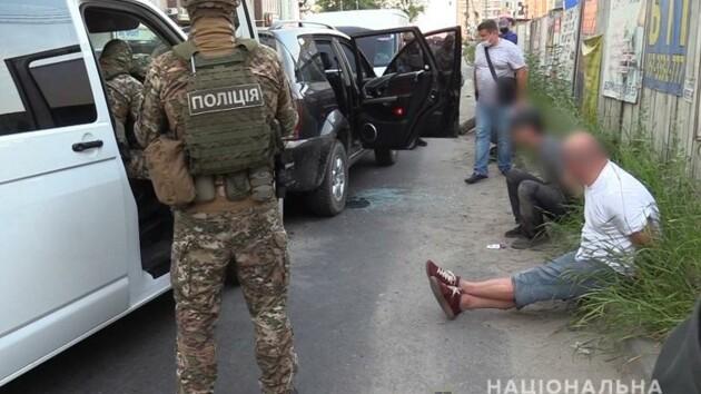 Столичные копы задержали банду разбойников, грабивших дома (фото, видео)