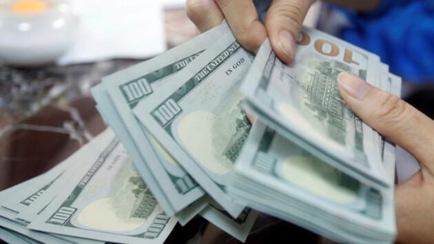 Курс доллара в Украине замер после резкого взлета