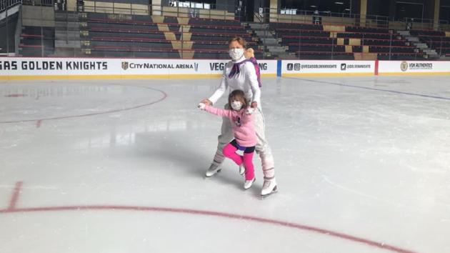 Олимпийская чемпионка Оксана Баюл впервые после карантина вывела на лед свою наследницу