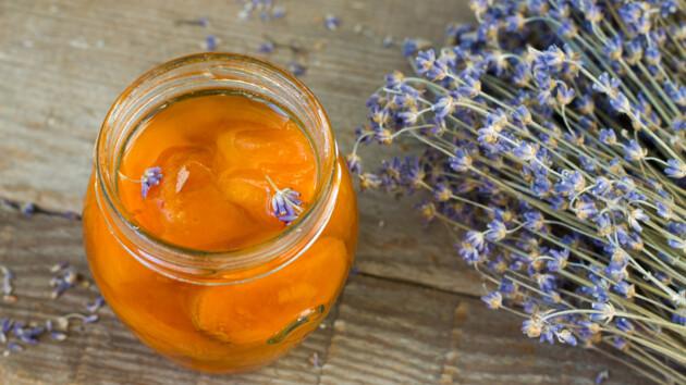 Как сделать оригинальное абрикосовое варенье с лавандой
