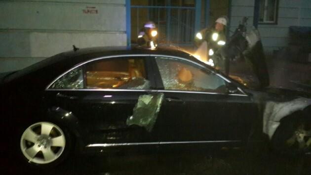 В киевских дворах снова горели автомобили