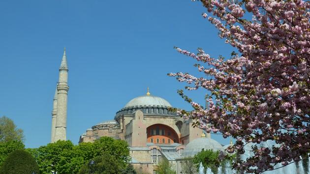 Собор Святой Софии станет мечетью: суд в Турции принял решение