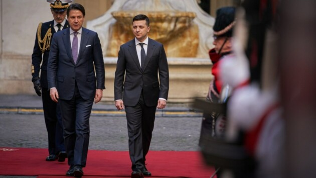 Зеленский и Конте обсудили авиасообщение с Италией и освобождение Маркива