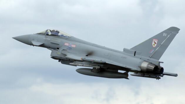Британские истребители и самолет Джонсона вылетели на перехват российского борта