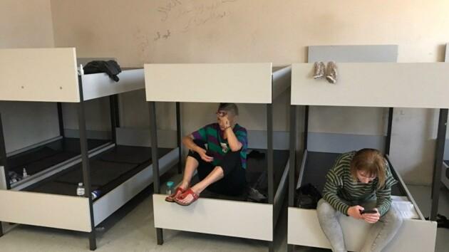 В МИД назвали причину задержания украинцев в аэропорту Афин