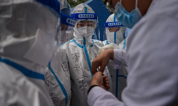 В Китае вспышка опасной инфекции: введен третий уровень опасности