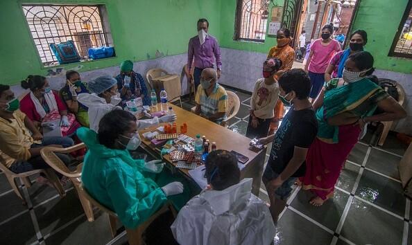 Индия вошла в тройку лидеров по числу заражений коронавирусом, обогнав Россию