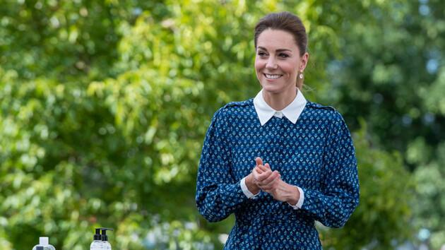 Кейт Миддлтон вышла в свет в идеальном платье с воротником