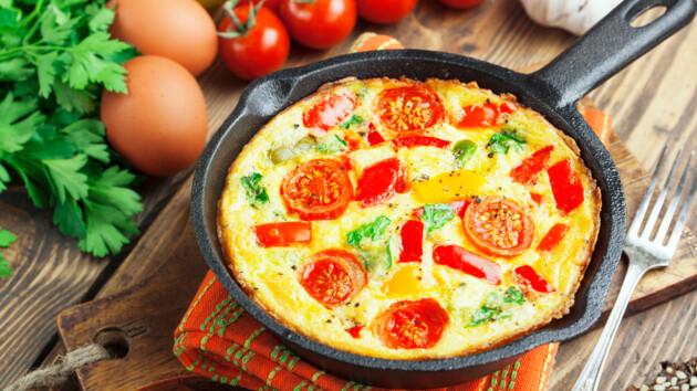 Рецепт фриттаты с летними овощами на сковороде