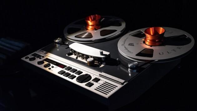 Кассеты возвращаются: древний накопитель поборол флешки и жесткие диски