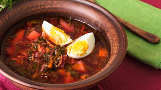 Как сварить легкий овощной суп с яйцом