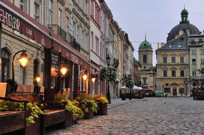 Куда поехать на 8 Марта в Украине