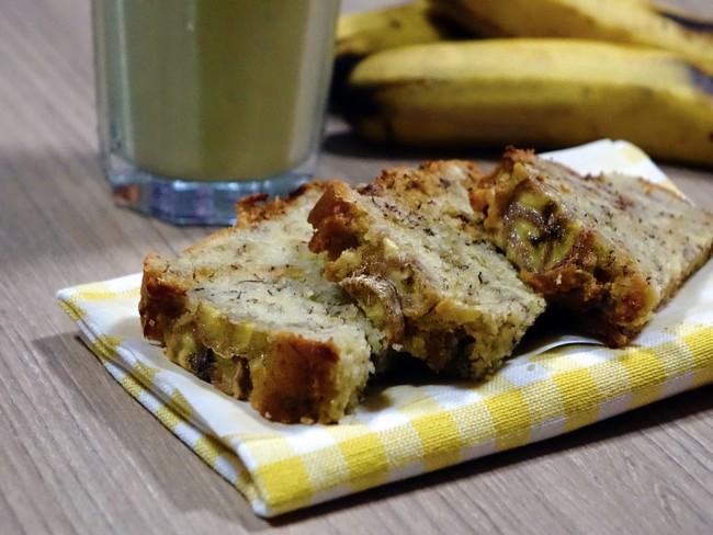 Цельнозерновой банановый кекс