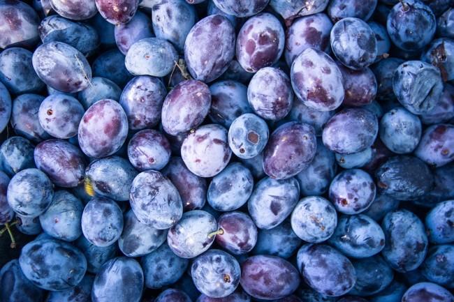 Сливы ,  ТОП-5 сезонных продуктов сентября: что покупать в этом месяце