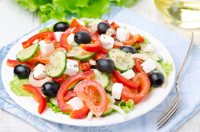 Помідори і огірки краще їсти окремо