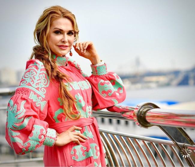 Битва вишиванок: у кого їх більше – в актриси Ольги Сумської чи співачки Ірини Федишин