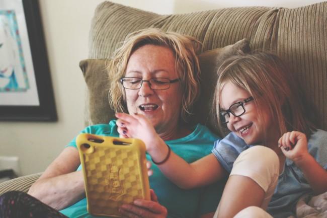 Чем планшеты опасны для детей
