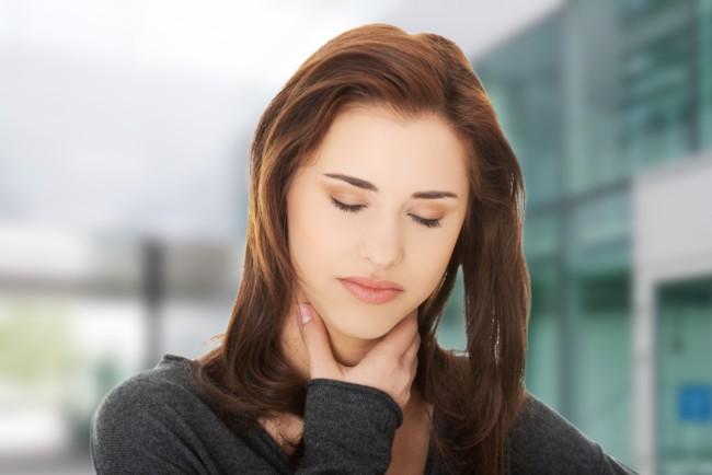 Боль в горле может быть симптомом рефлюксной болезни