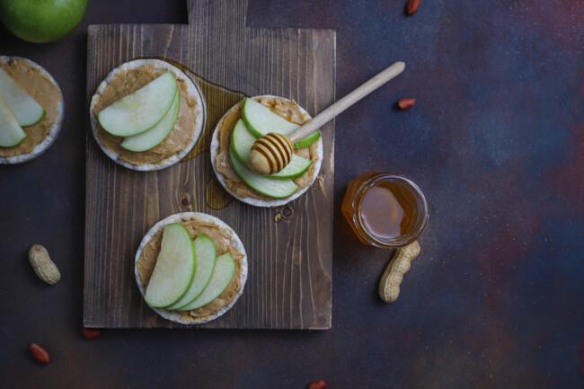 Тосты с арахисовым маслом, Полезные самозванцы: ТОП-5 продуктов, с большим содержанием сахара