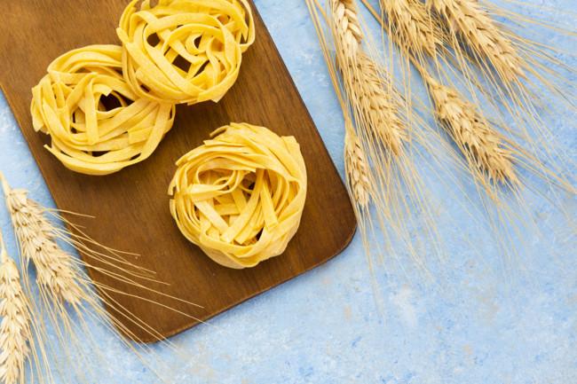 Глютен содержится в хлебе и макаронах
