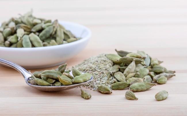 Семена кардамона – зеленого цвета