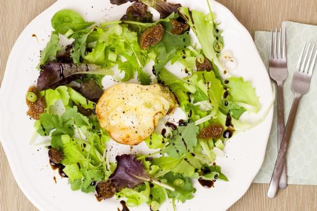 Салат из рукколы с грушей