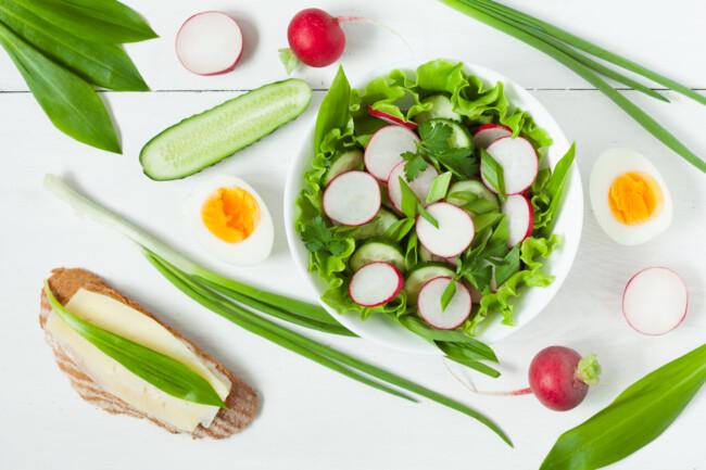 Салат из черемши с редиской