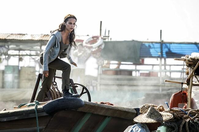 "Кадр з фільму ""Tomb Raider: Лара Крофт"""