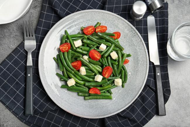Салат із стручкової квасолі з фетою