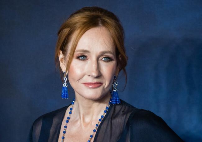"""Автор знаменитих книг про Гаррі Поттера зізналася у зґвалтуванні: """"На мене напали, коли я була вразливою"""""""