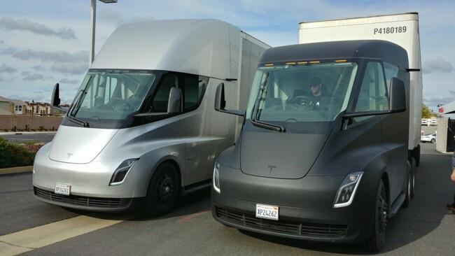 Tesla Semi обладает диапазоном автономного хода 490 или 800 километров
