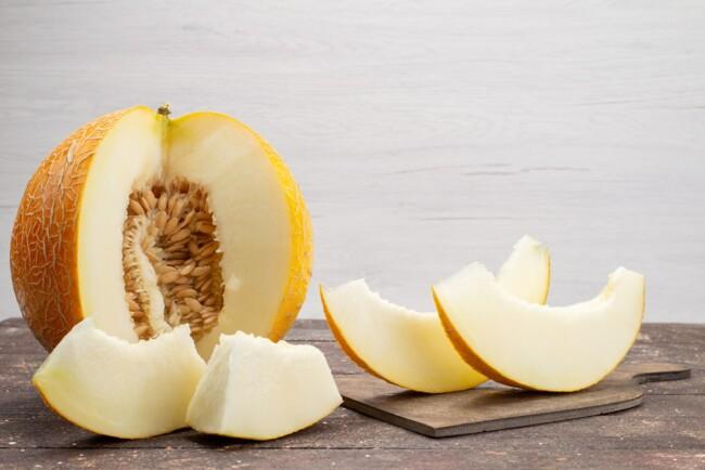 Вкусная дыня имеет сильный аромат