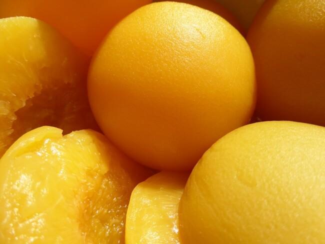 Стерилизованные персики на зиму