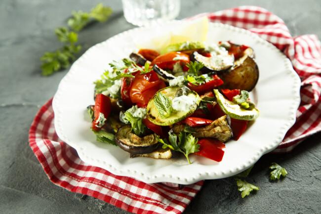 Теплый салат из баклажанов
