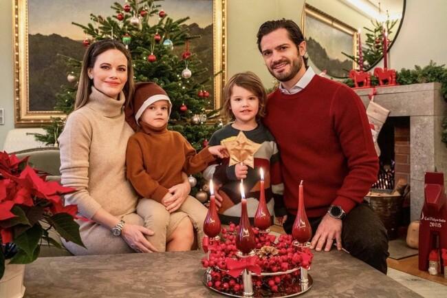 Принц Швеции Карл Филипп и принцесса София растрогали семейным предрождественским фото