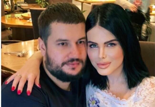 Блогера, в которой недавно хотели похитить дочь, разводится с мужем: