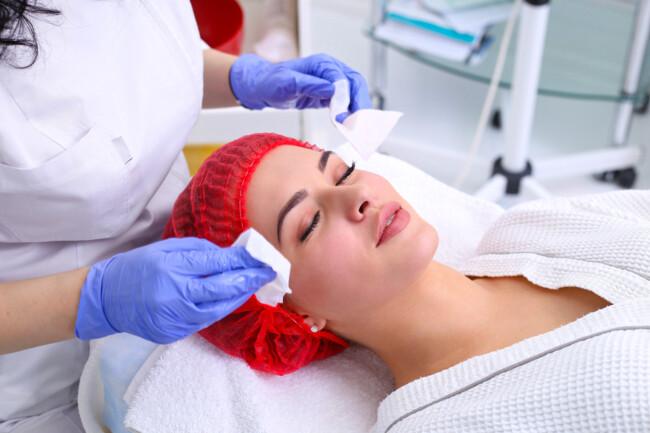 Как правильно готовиться к косметологическим процедурам зимой
