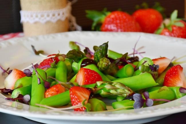 Ешьте больше весенних овощей и фруктов