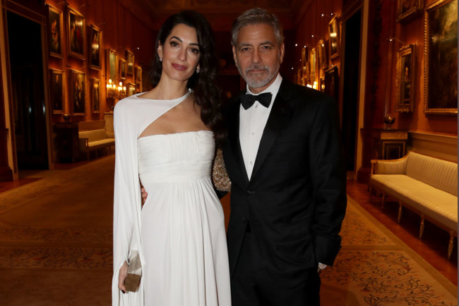 Джордж и Амаль Клуни в Букингемском дворце
