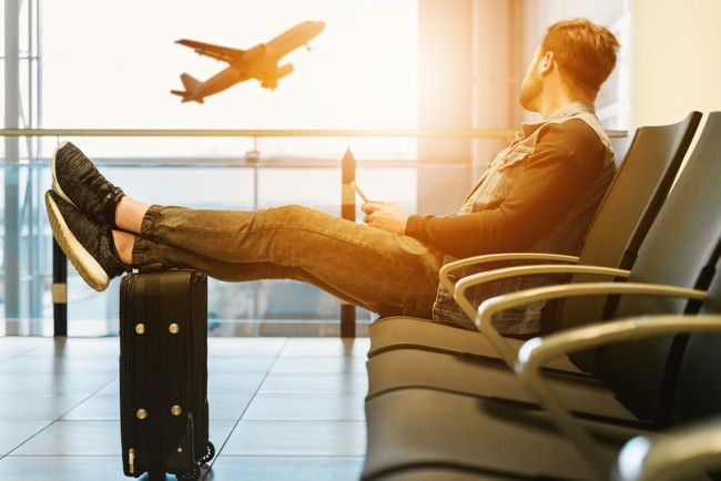 МАУ вводит плату за смену места в самолете