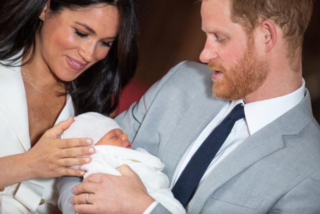 У День батька Меган Маркл і принц Гаррі опублікували перше фото Арчі Гаррісона